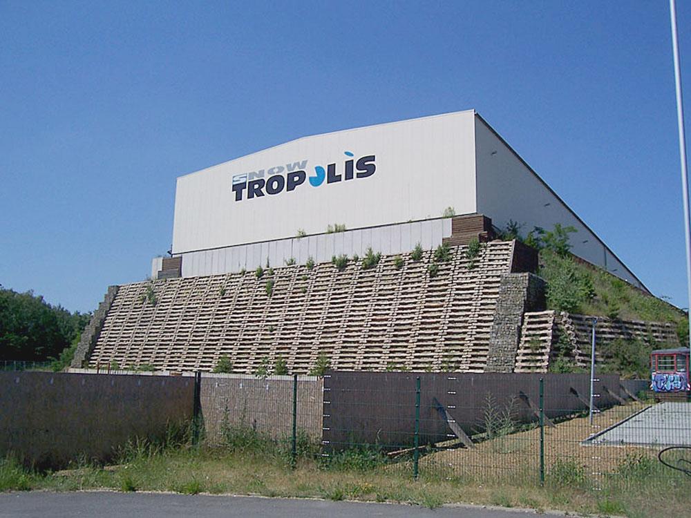 "Indoor-Skihalle ""Snowtropolis"""